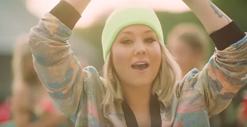 """RaeLynn - """"Keep Up"""" - Round Here Records"""
